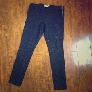 Jolt-  Heather Black Legging w/ pockets. Size M